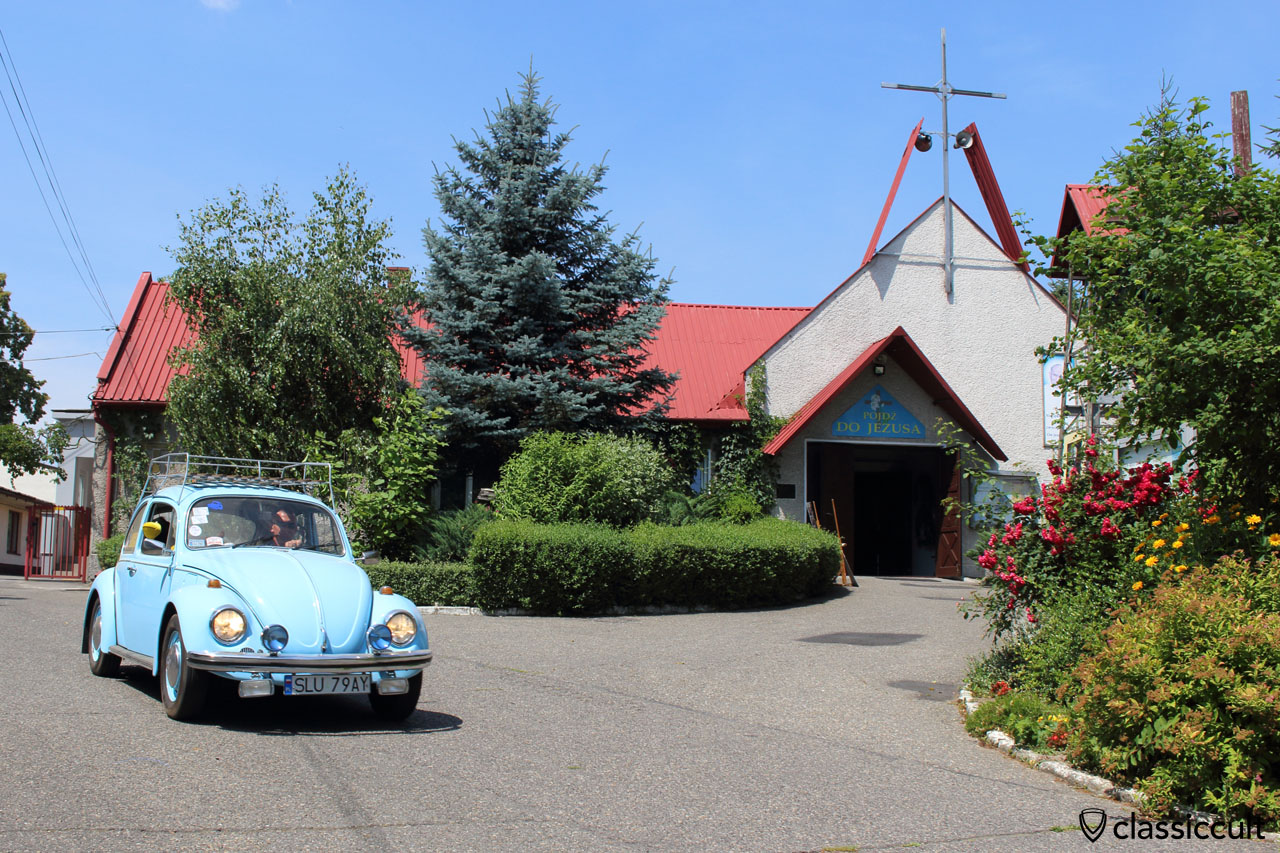 After the Pastor consecrates the old VW Beetle the VW fan set off, Garbojama, Sunday, July 12, 2015, 12:11 p.m.