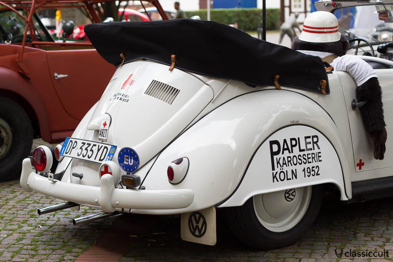 VW Käfer Papler Karosserie Köln 1952 Deutsches Rotes Kreuz (sehr selten), Volkswagen Treffen Hessisch Oldendorf 2013