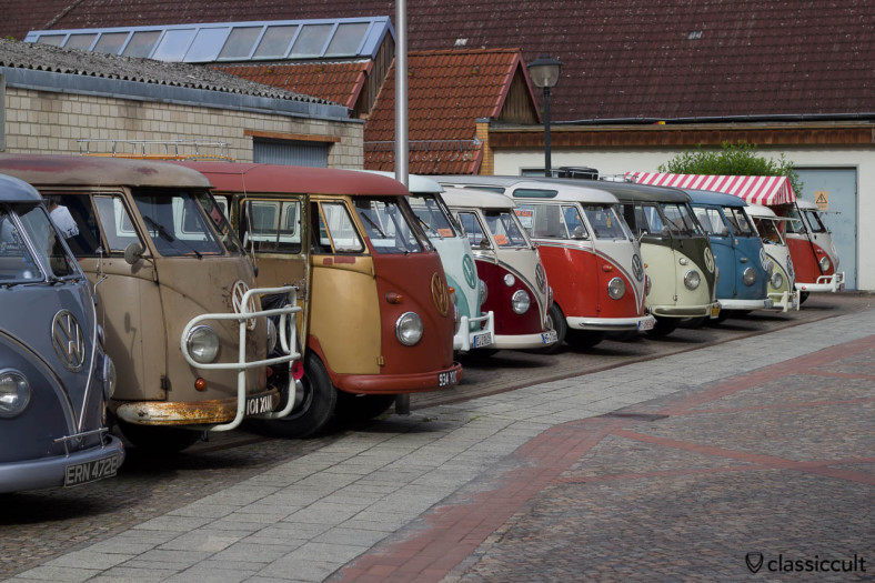 VW Split Bus Lineup Hessisch Oldendorf 2013