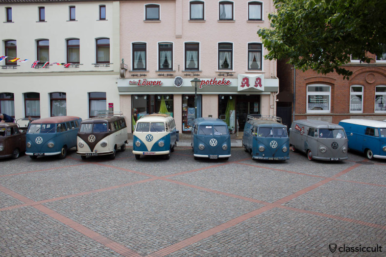 VW Barndoor Line-Up, 6th International Vintage Volkswagen Show Hessisch Oldendorf 2013