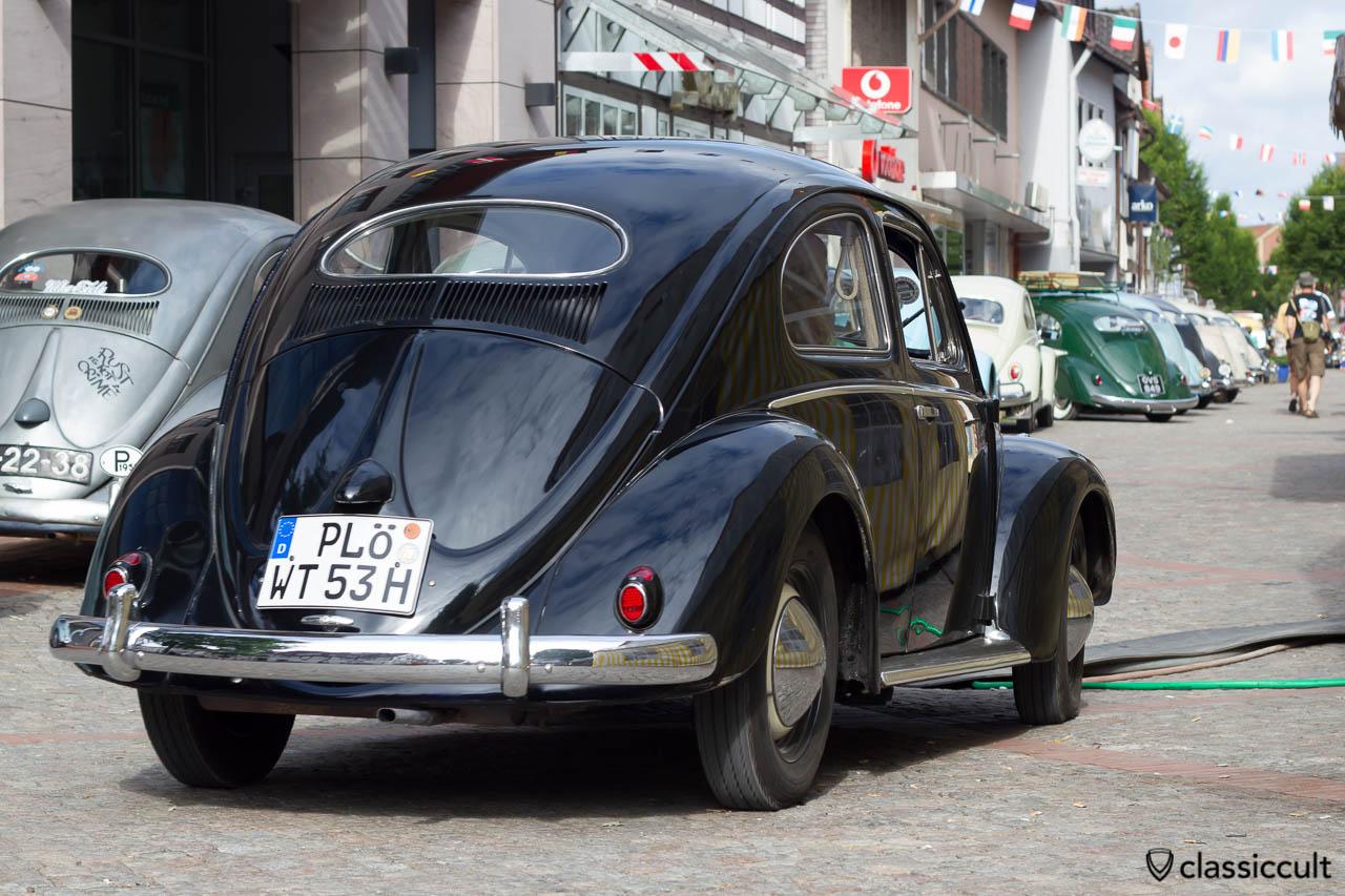 1953 VW Ovali Käfer aus Plön Deutschland, Hessisch Oldendorf 2013, 6. Internationales Volkswagen Veteranentreffen 22. Juni