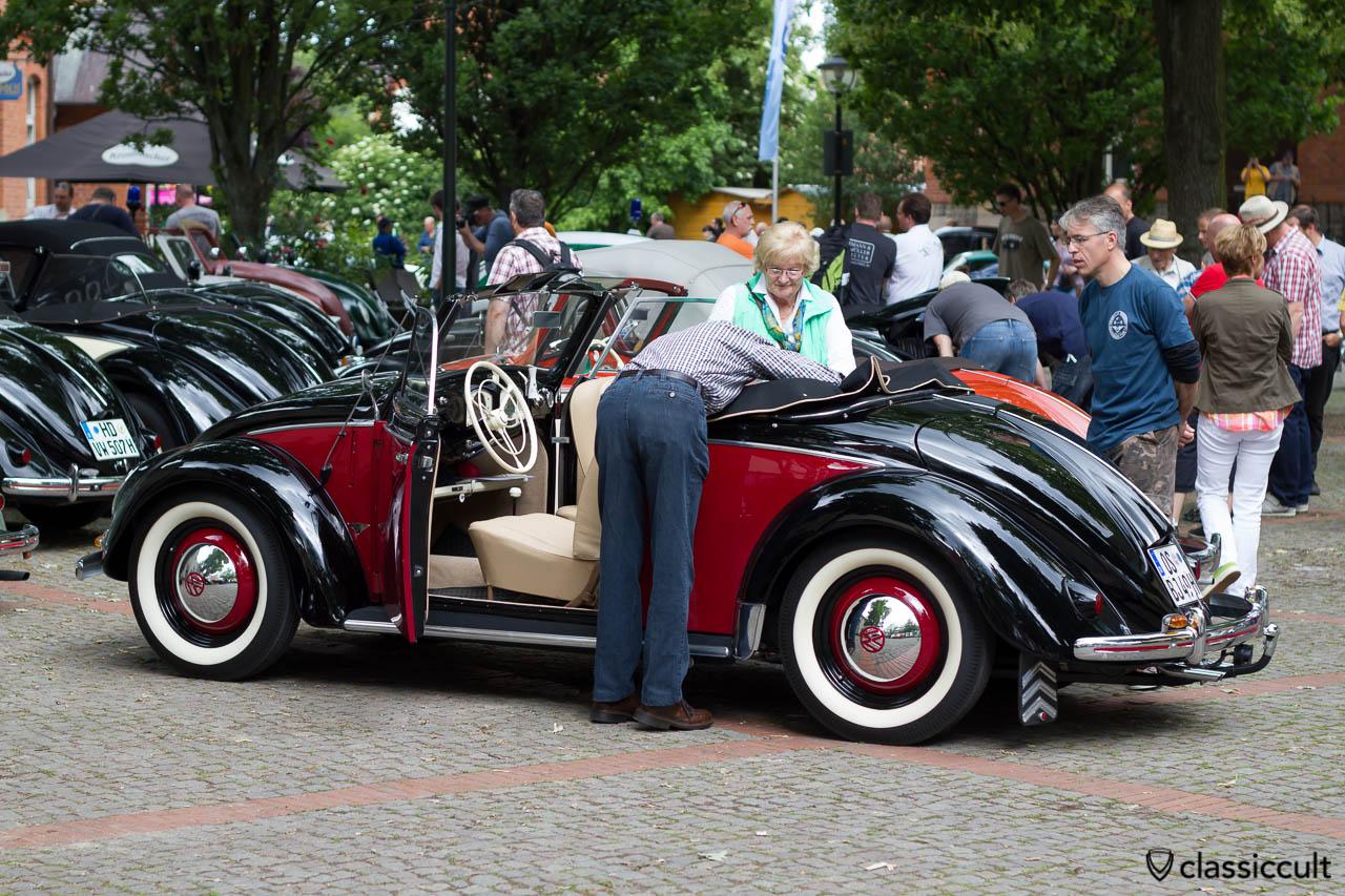 1949 Hebmüller aus Osnabrück, Heb Verdeck öffnen Schritt 2, Volkswagen Veteranentreffen in Hessisch Oldendorf 2013