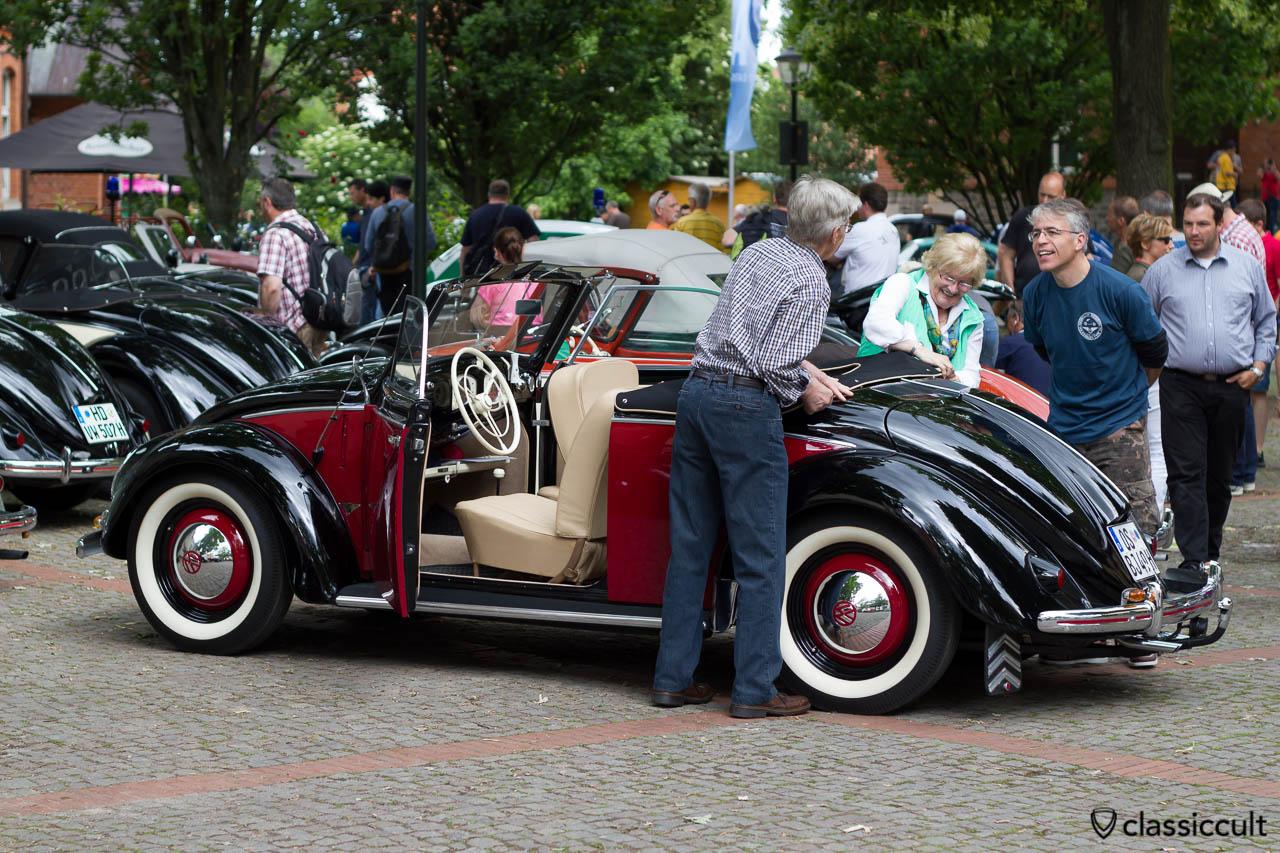 1949 Hebmüller aus Osnabrück, Heb Verdeck öffnen Schritt 3, Volkswagen Veteranentreffen in Hessisch Oldendorf 2013