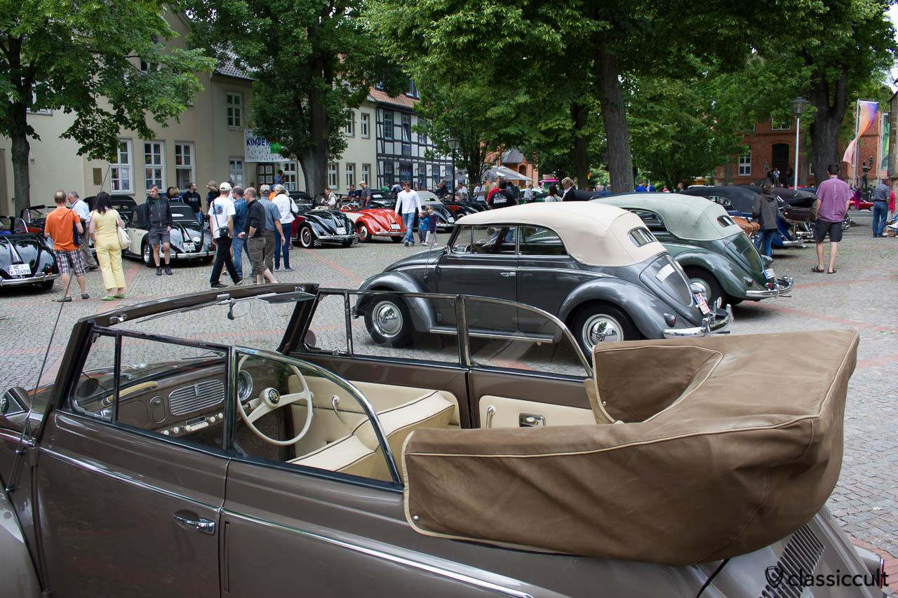 Volkswagen auf dem Marktplatz von Hessisch Oldendorf, VW Veteranentreffen 2013