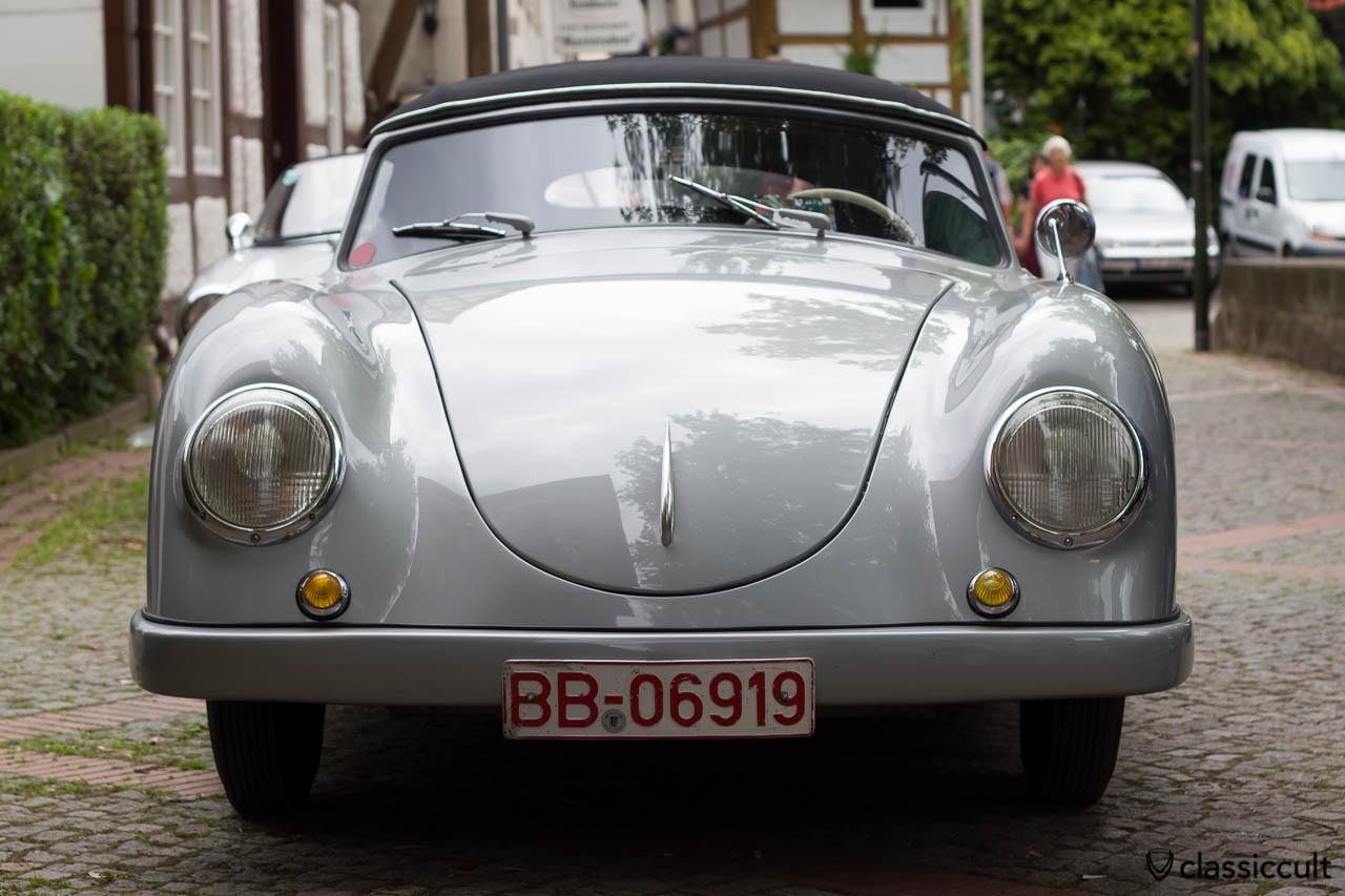 1955 VW Thonfeld Cabriolet frontside, W. Thonfeld, Dreseden, Hessisch Oldendorf VW Show 2013