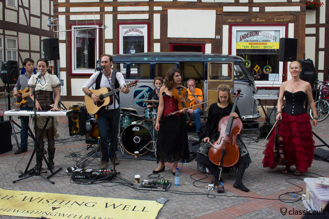 The Wishing Well Band and in the background a VW Split music Bus, Hessisch Oldendorf VW Show 2013