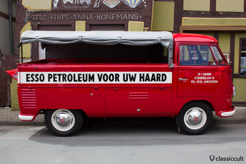 VW Single Cab Esso Truck from Nederland, HO Show 2013. I saw this T1 Bus also at IKW 2013.