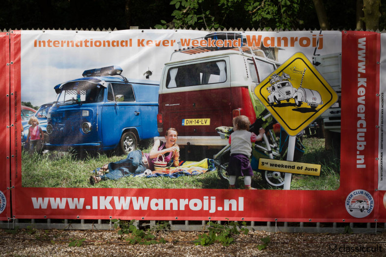 Internationaal Kever Weekend Wanroij advertising banner with VW Bus and Kids