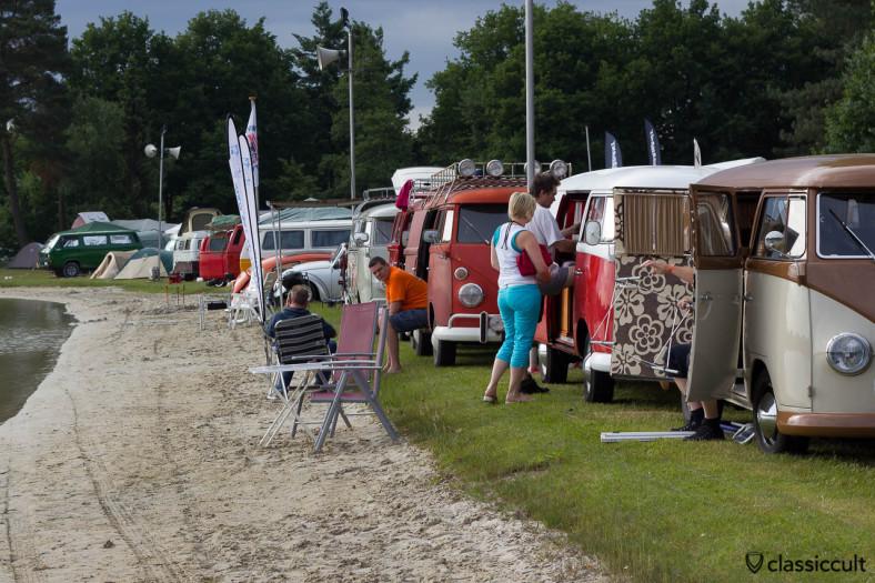 VW Splits Camping at the lake De Bergen Wanroij
