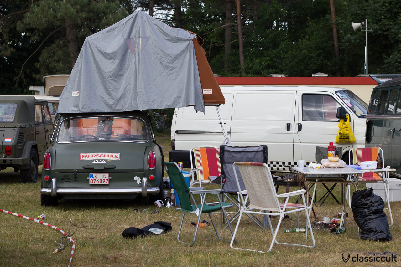 Volkswagen 1500 Notchback with roof tent, camping at De Bergen Wanroij