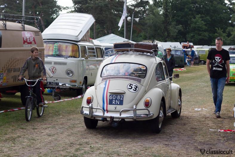 VW Herbie 53 cruising around the lake at IKW Wanroij 2013
