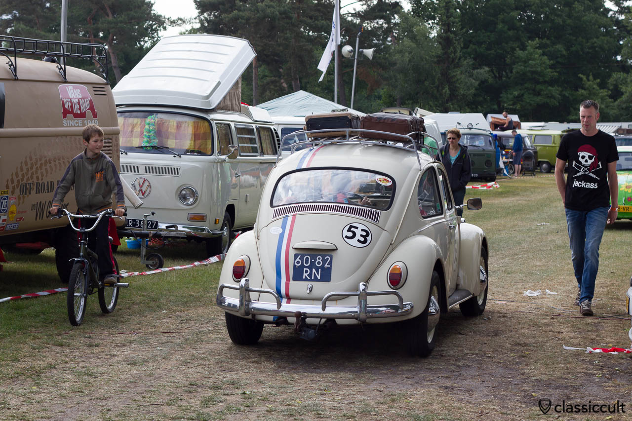 VW Herbie 53 cruising around the lake at IKW Wanroij 2013
