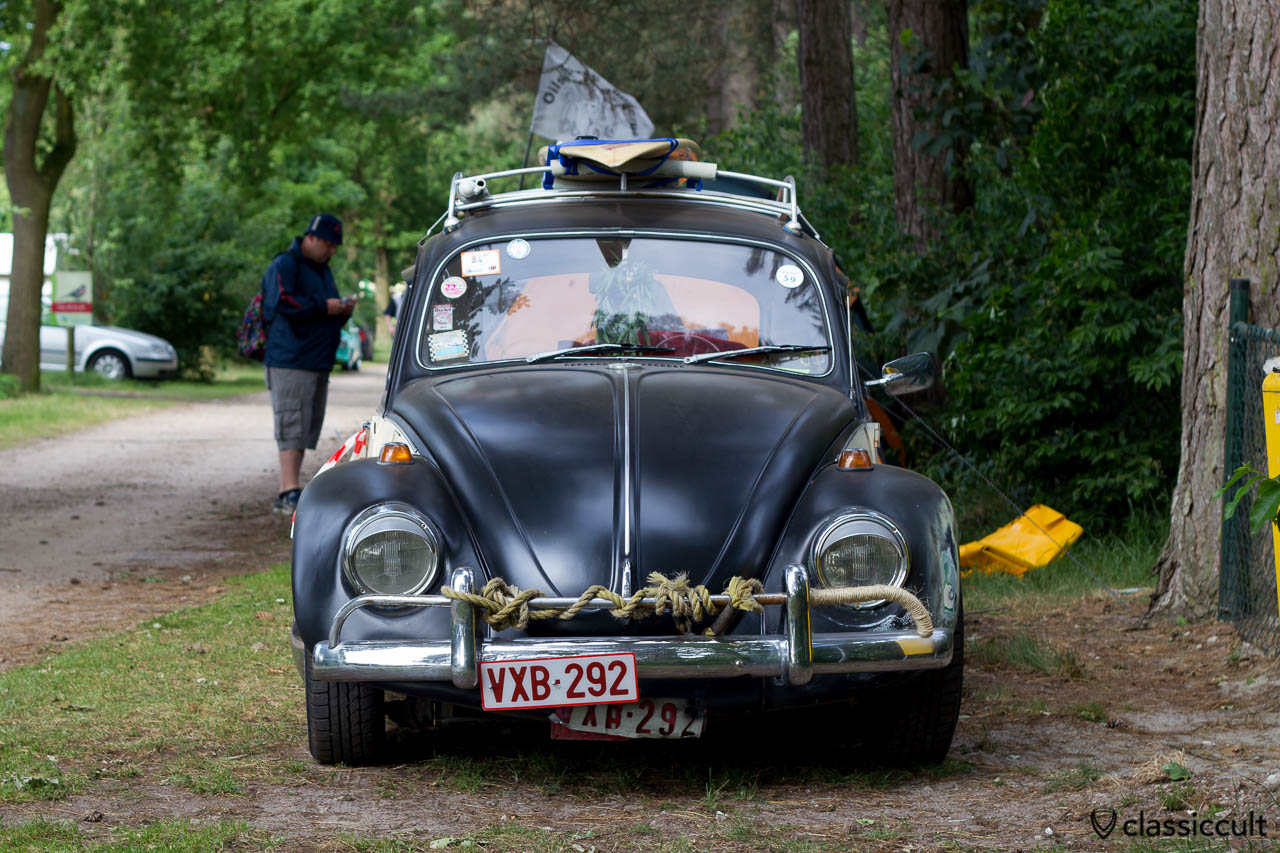VW Bug with roof rack and surf board, Wanroij 2013