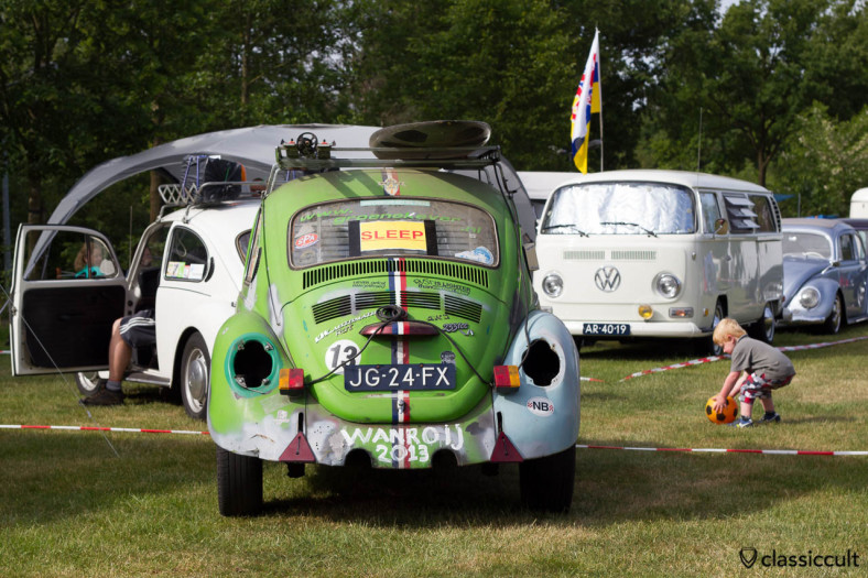 VW BUG Automatic Rat is getting prepared for towing at Wanroij Kever Weekend