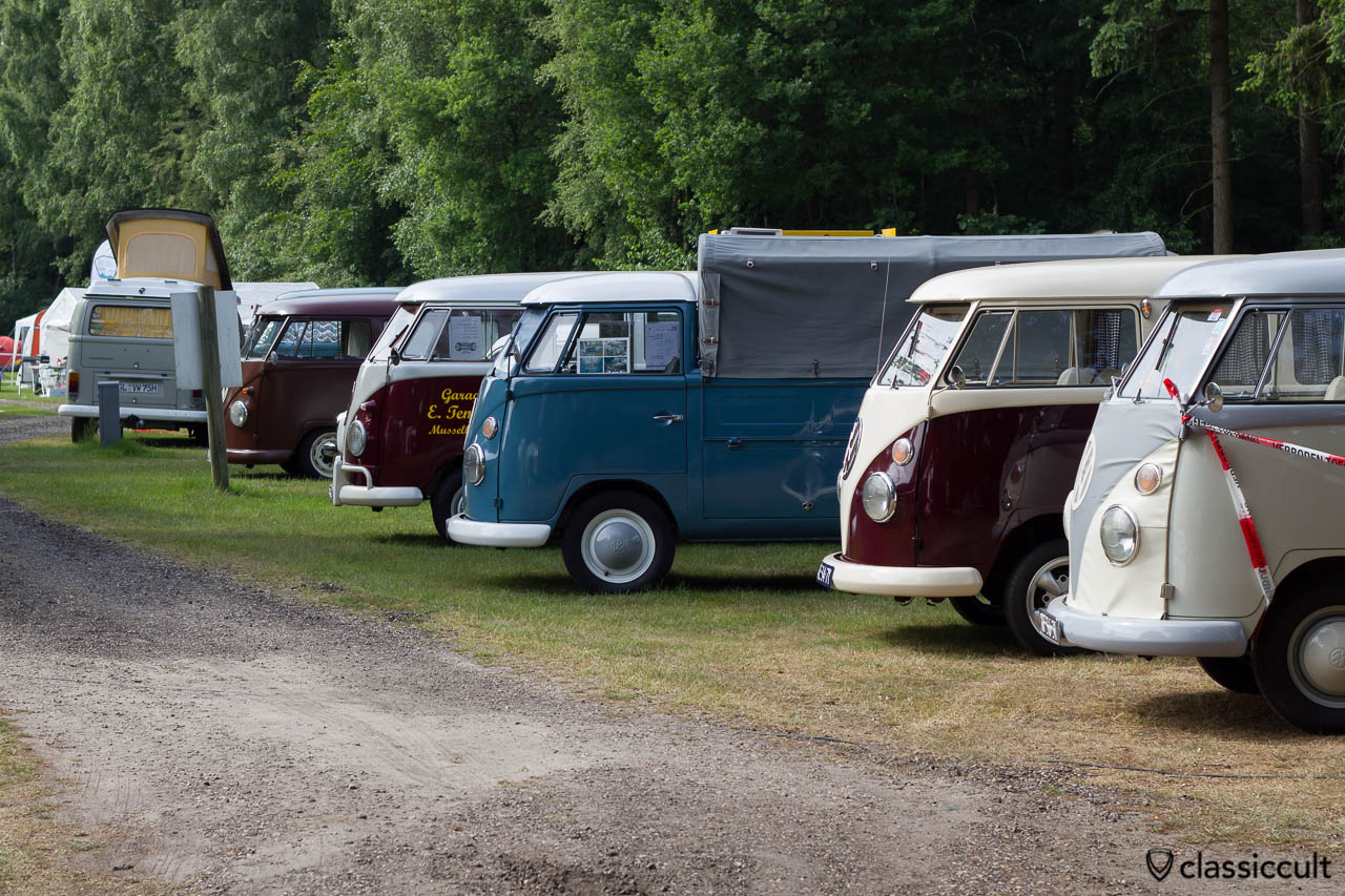 IKW Wanroij 2013 VW Split Bus line-up