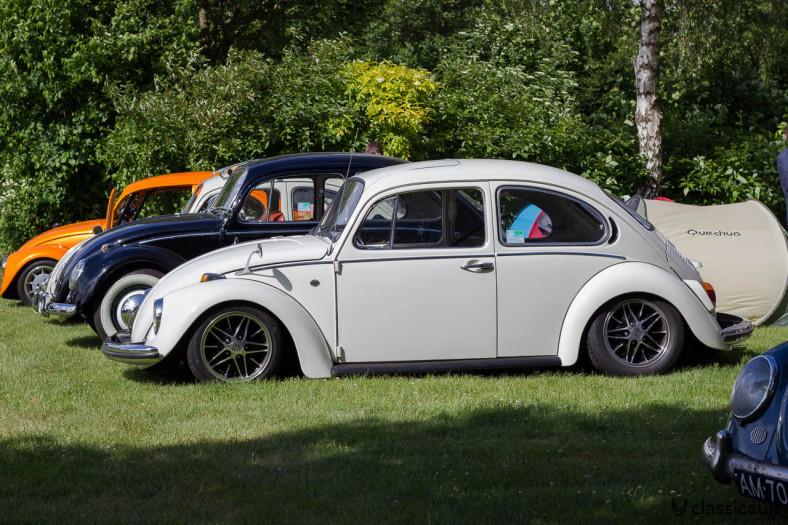 VW Bug with Porsche wheels and Albert Mirror