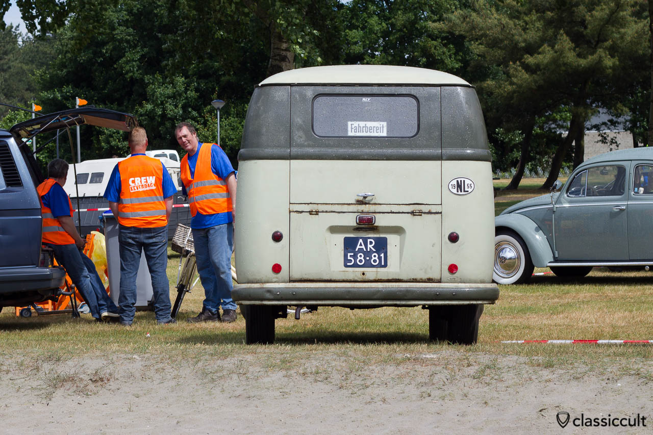 1955 VW Barndoor Bus backside