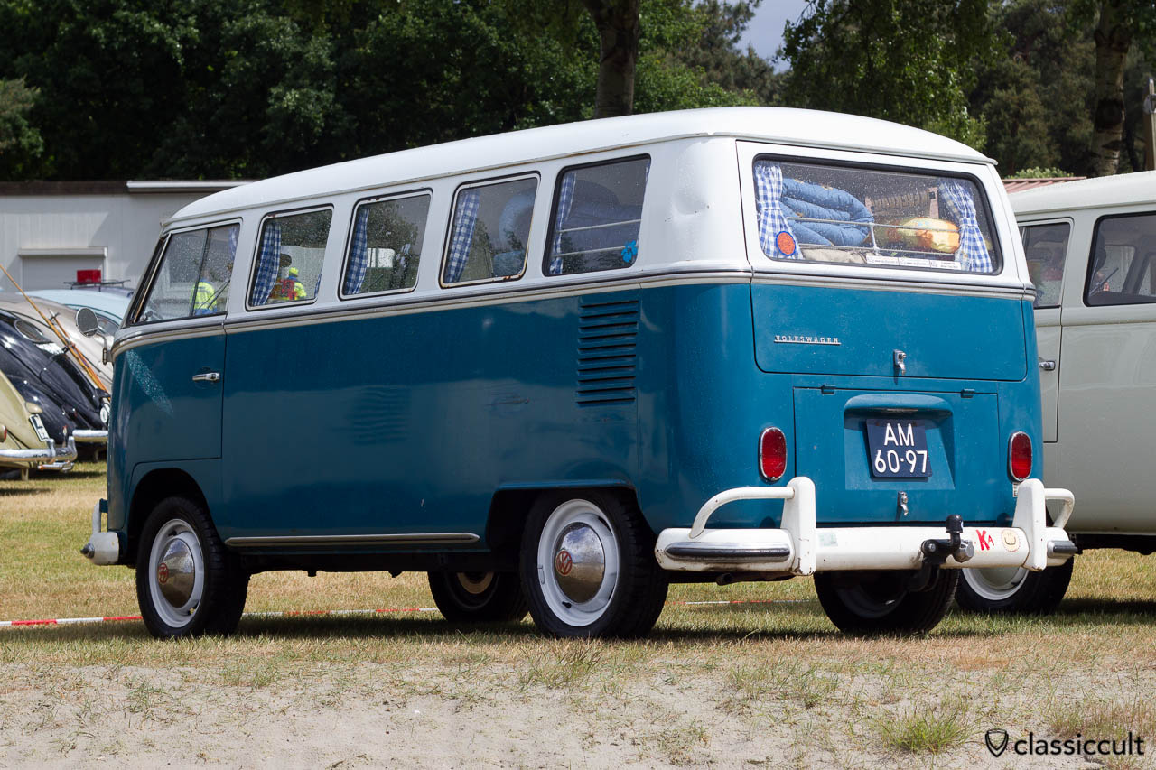VW T1 Deluxe Split Bus