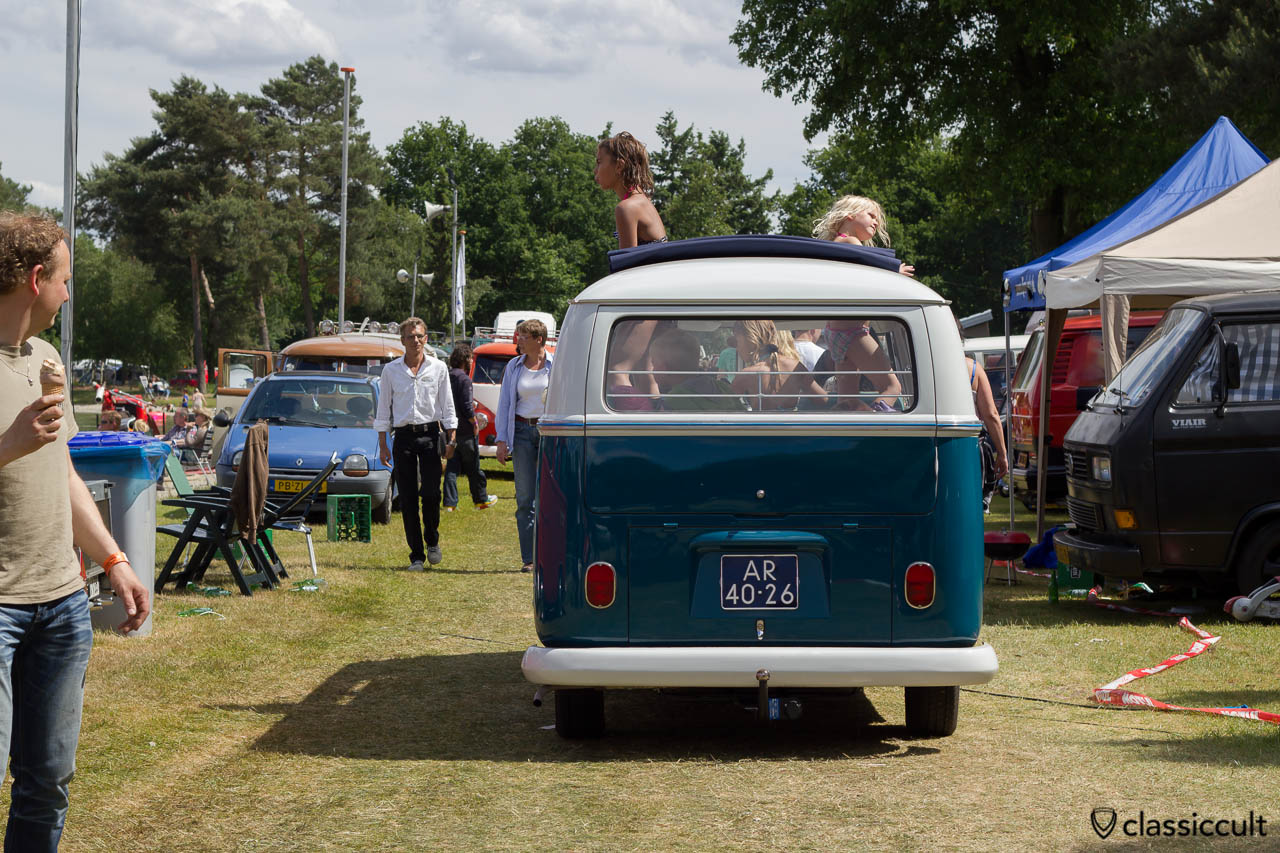 VW T1 Split Ragtop Bus