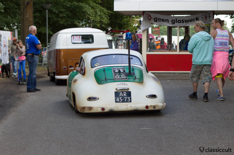 Again the Porsche 356 Police Car at 17:38 p.m. now checking whether everything is running properly at the VW meeting IKW Wanroij 2013.