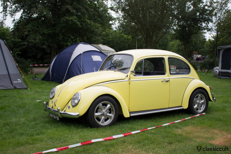 yellow VW kever