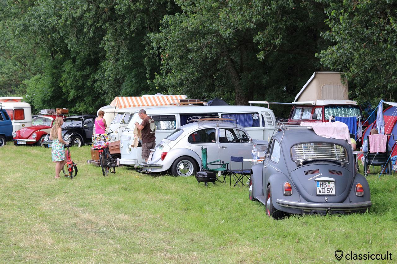 VW 1300L Käfer aus Bremen im Family Camping