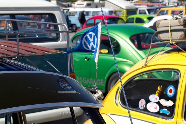 VW Käfer mit Nordland Sonnenschutz