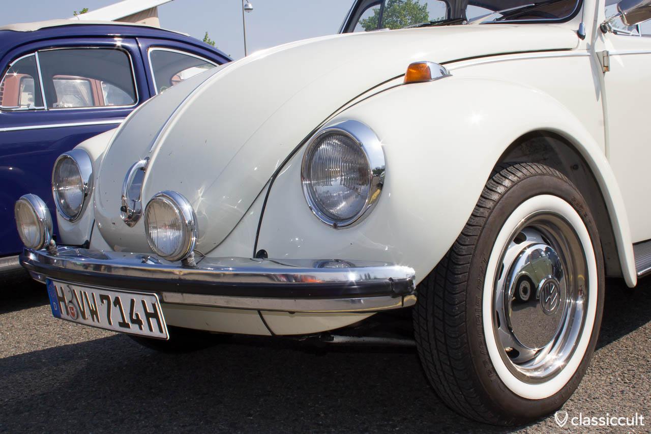 Vw Bug With Period Correct Bosch Fog Lights
