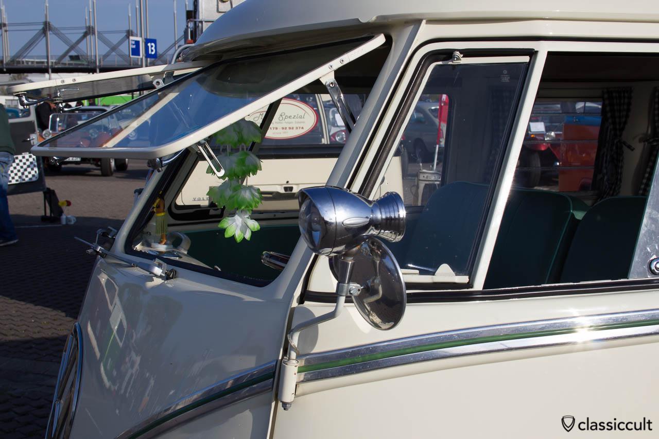 T1 Bus mit Safarifenster und Hella Suchscheinwerfer Spiegel