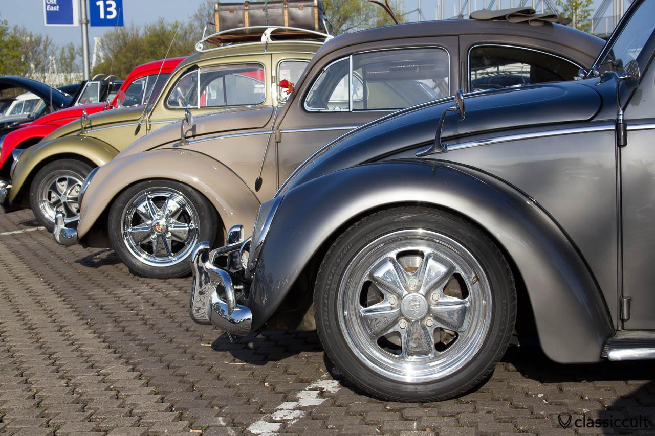 VW Käfer mit  Zubehör Albert Zierleisten Spiegel