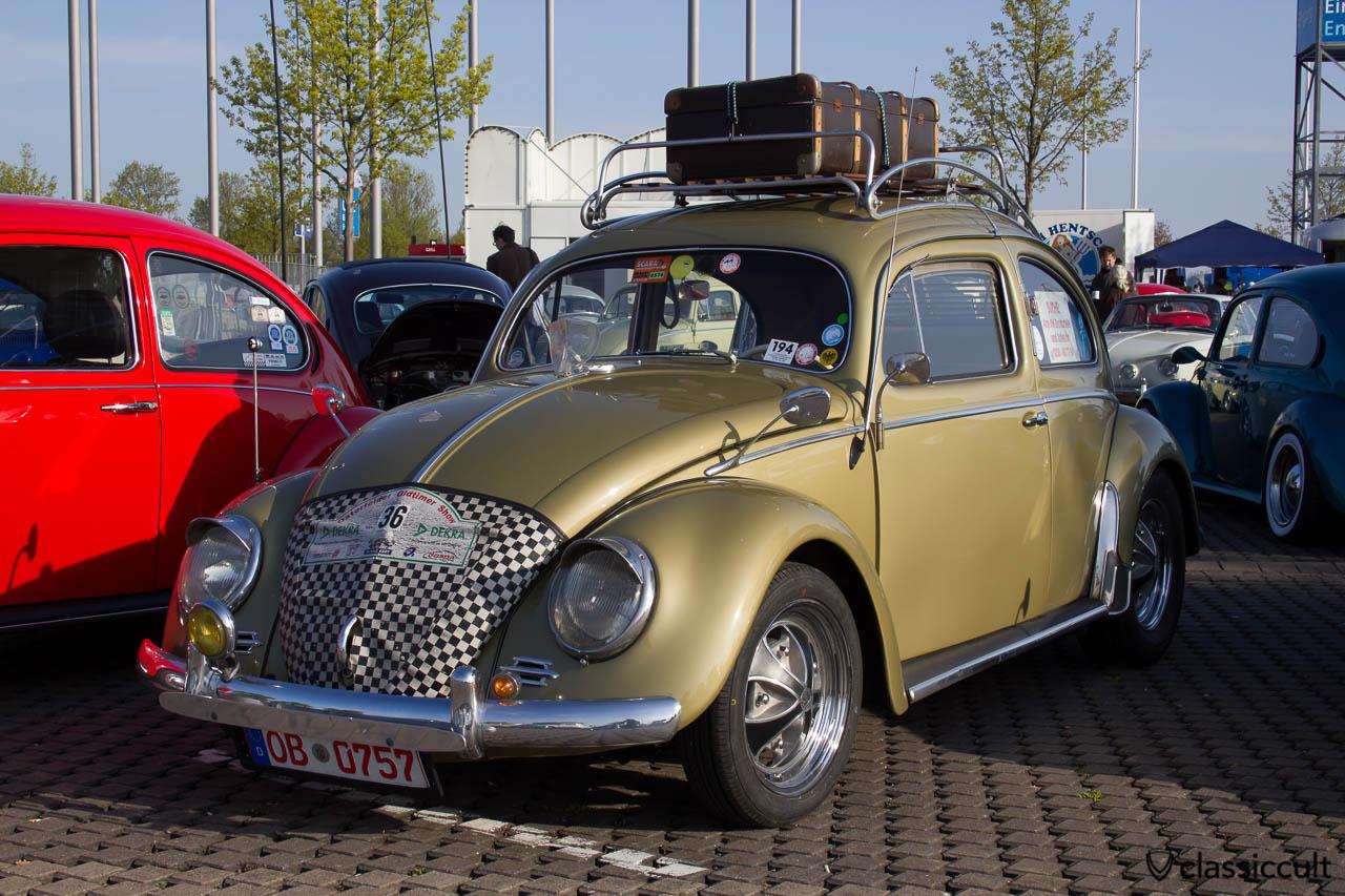 1957 VW Ovali Käfer mit viel Zubehör