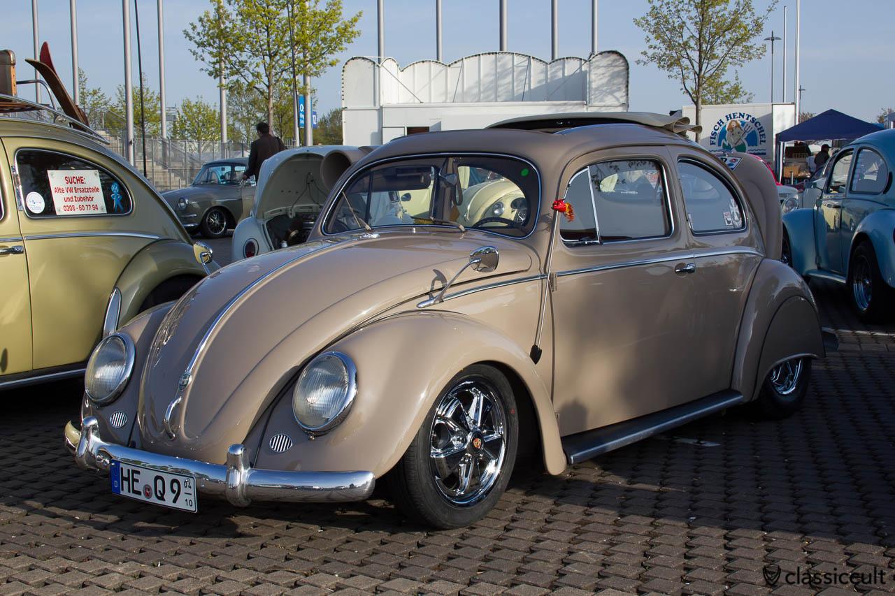 VW Ovali mit Fuchsfelgen und Fenderskirts
