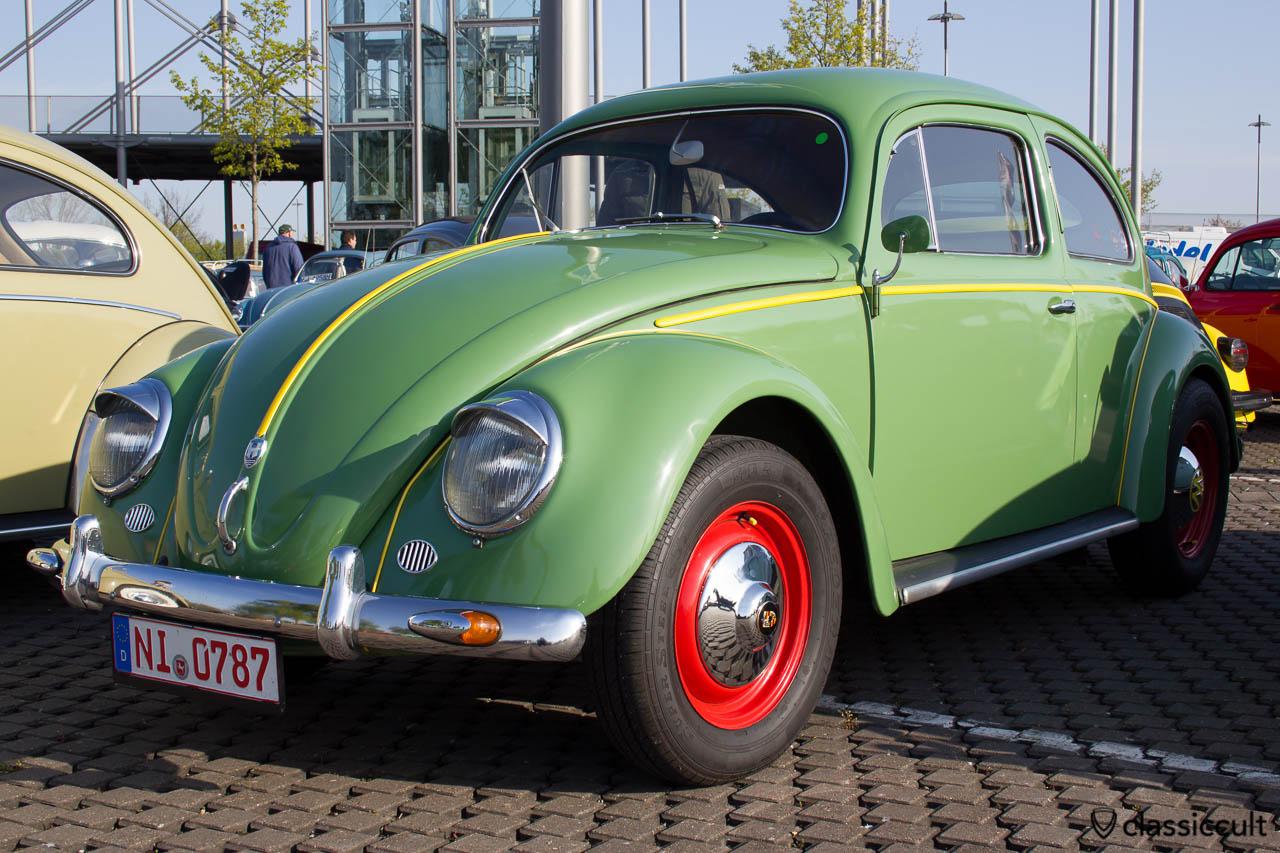 1956 VW Ovali Käfer mit Kotflügel Blinker an der Stoßstange