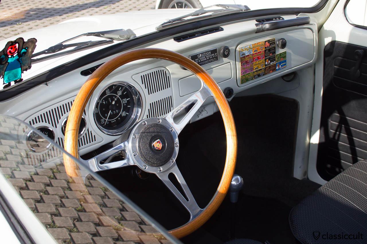 Cal Look Käfer Armaturenbrett mit Porsche Lenkrad