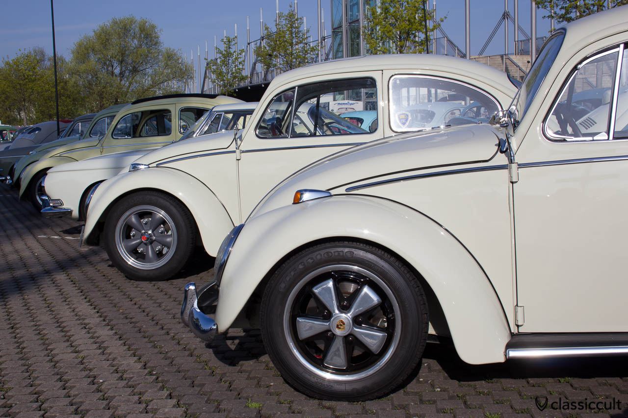 VW Käfer Cal Look mit Fuchsfelgen