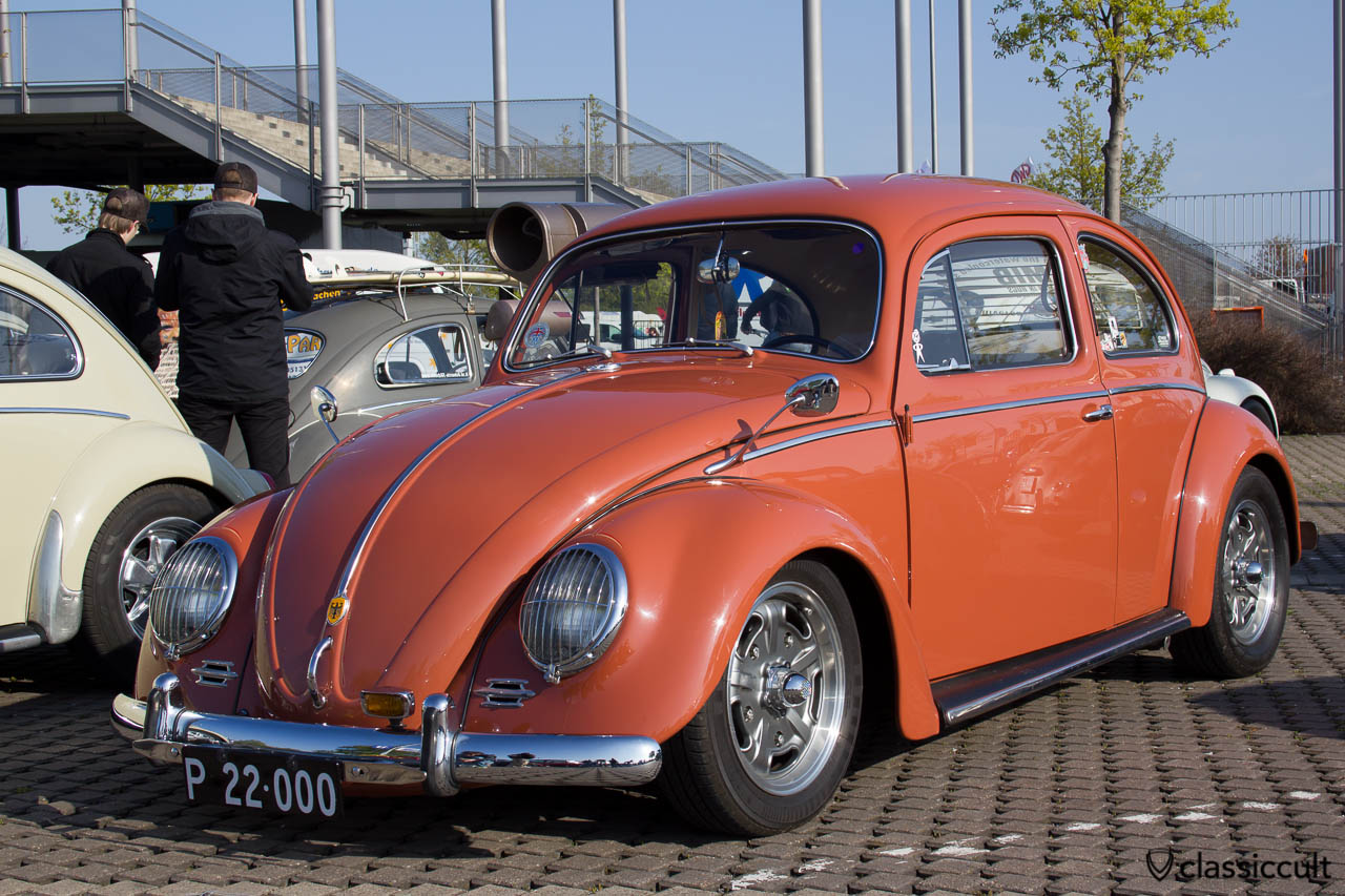VW Käfer mit Scheinwerfergitter, Albert Spiegel, Deutschland Emblem und natürlich tiefer...