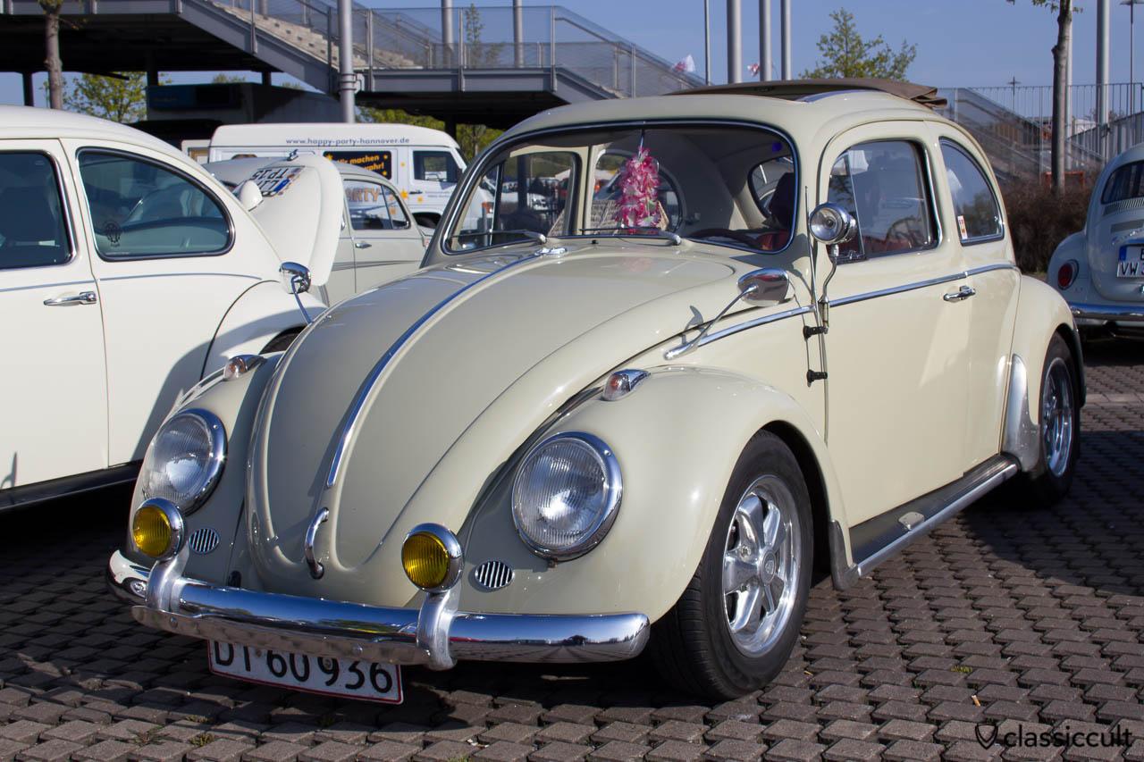 VW Käfer mit Hella Fog Light Bumper Guards - NICE