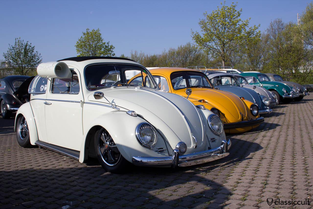 VW Käfer mit Swamp Cooler und Scheinwerfergitter