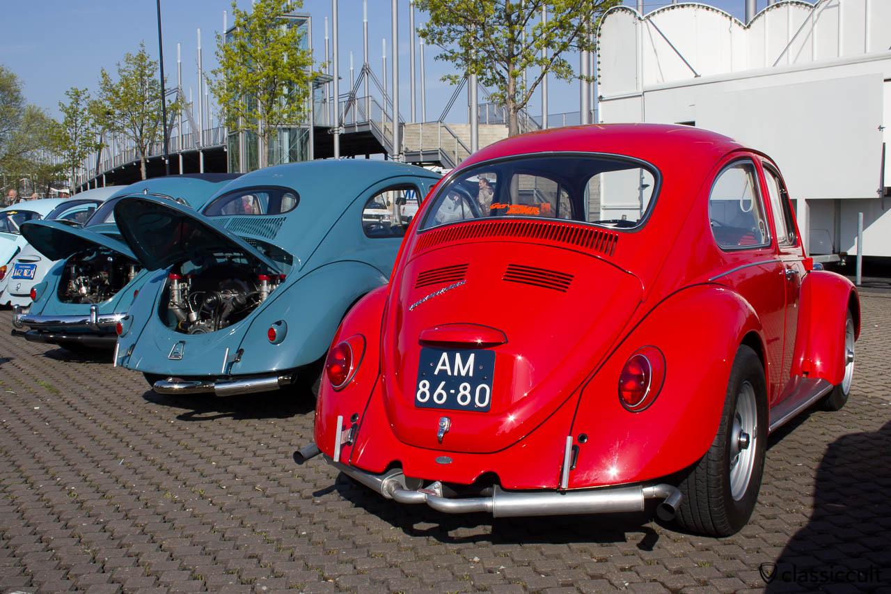 roter VW Käfer mit Power und T-Bars