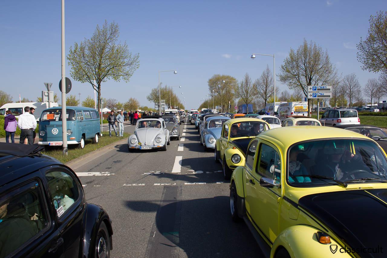 VW Käfer im MKT Stau um 09:45 Uhr