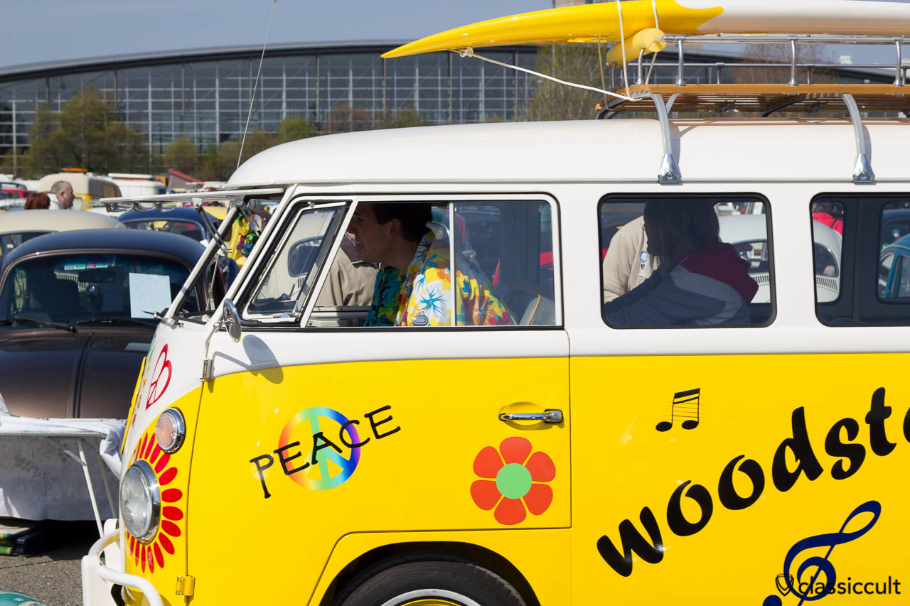 Woodstock T1 Bus