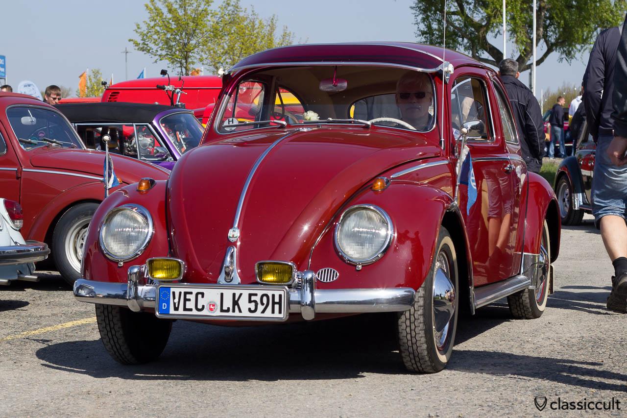 VW Käfer 1959 granatrot