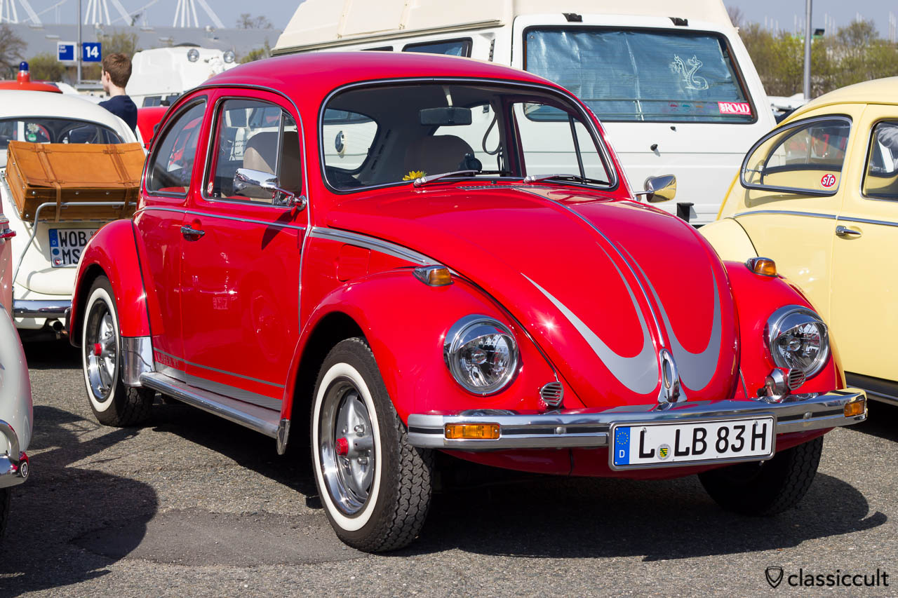 1983 VW Käfer mit Fanfaren