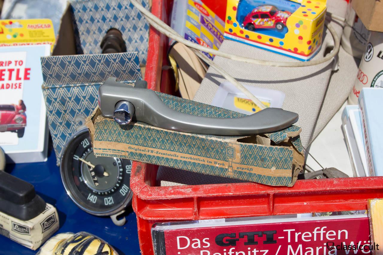 VW 1967 Standard Türgirff stahl grau, habe ich für 45 EUR gekauft...