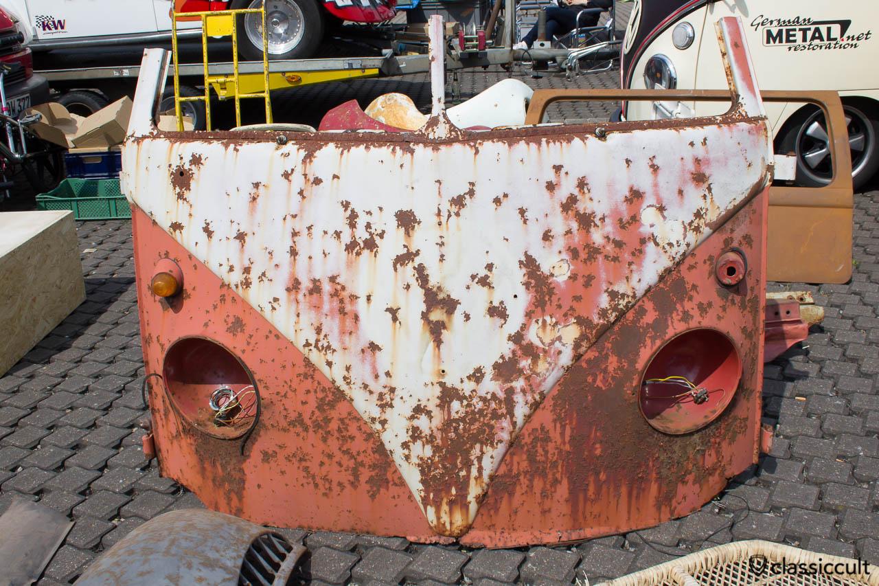 rostige VW Split Bus Nase