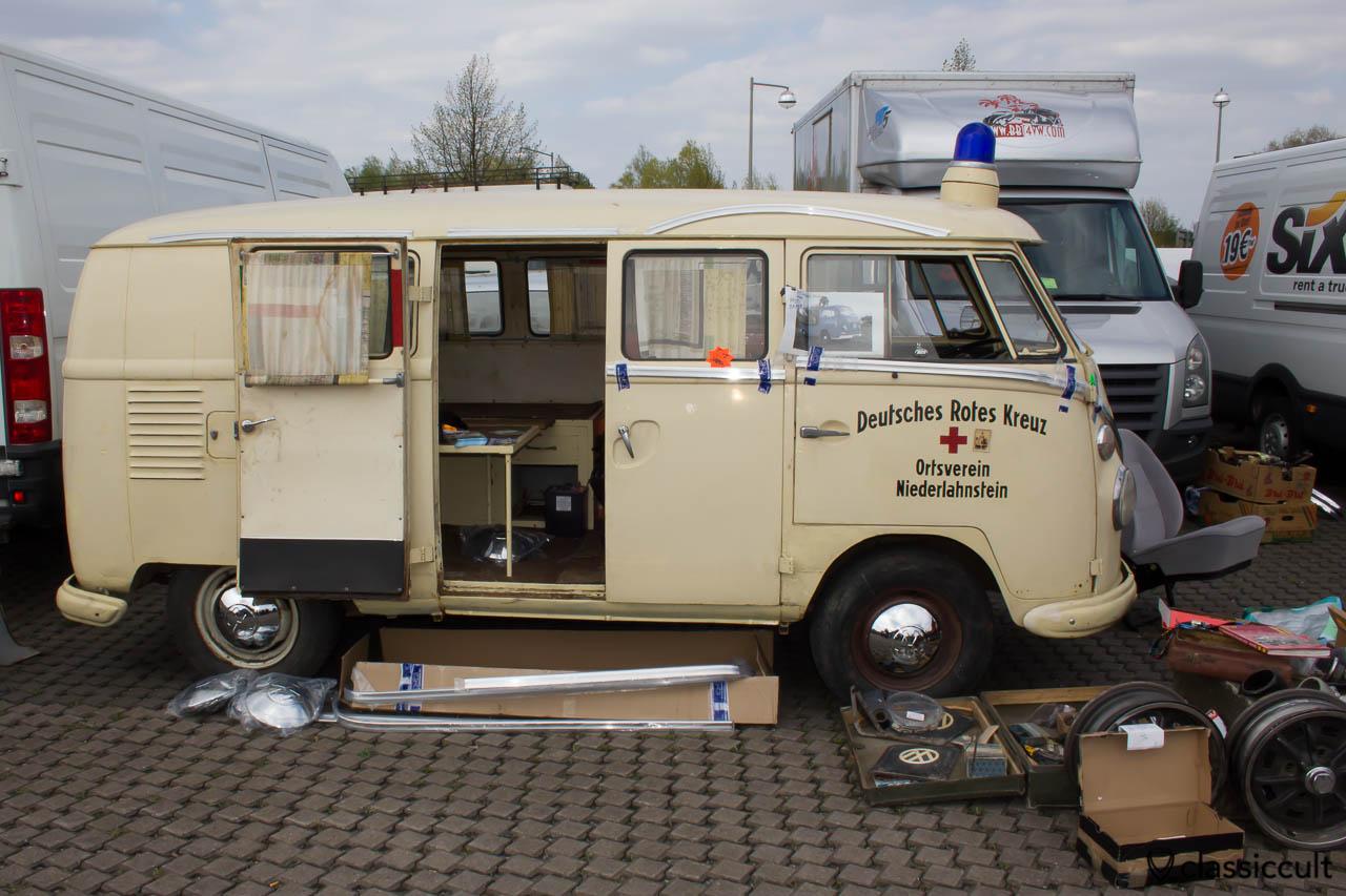 Deutsches Rotes Kreuz VW T1 Krankenwagen