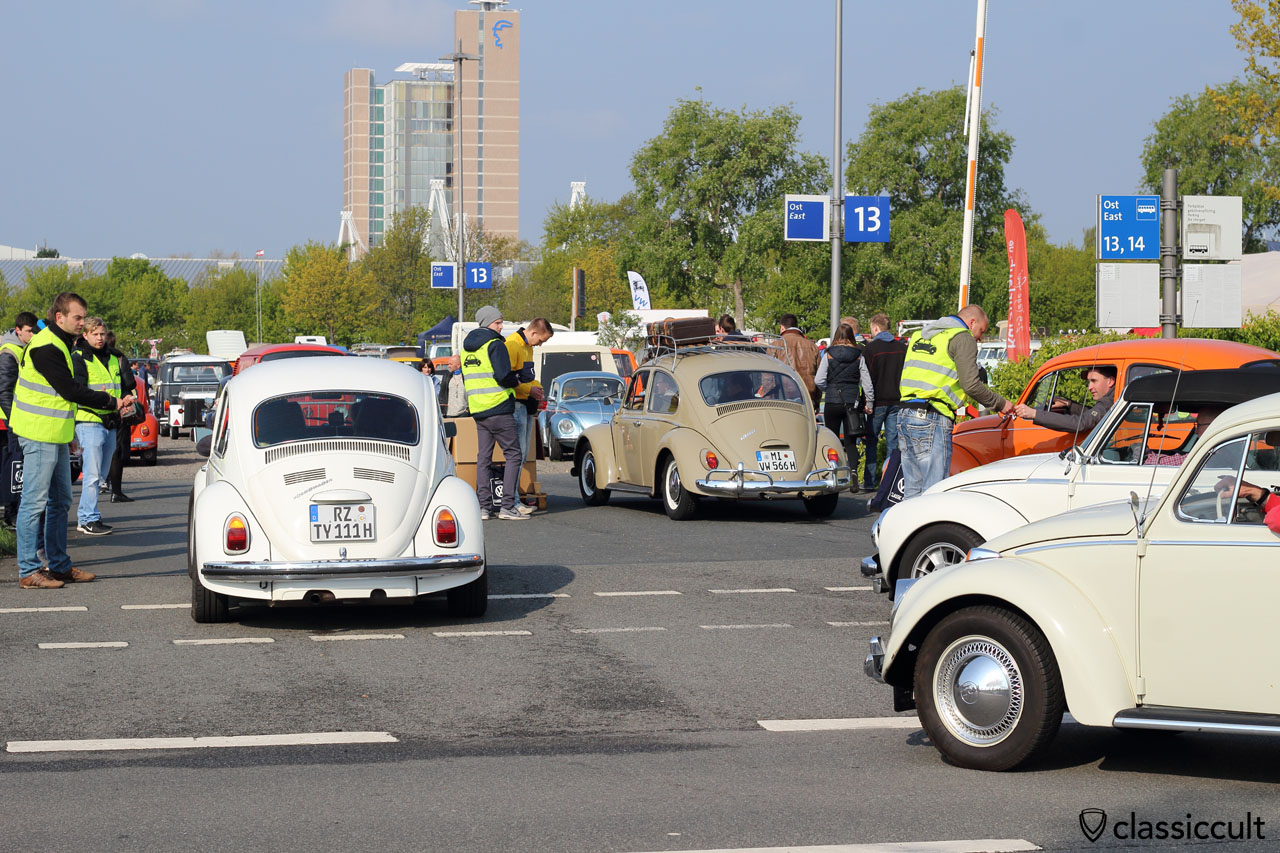 VW Bug from Ratzeburg (RZ) and Minden (MI) at the MKT entrance