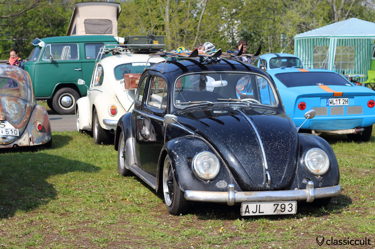 VW Beetle with patina and Albert swan neck mirrors