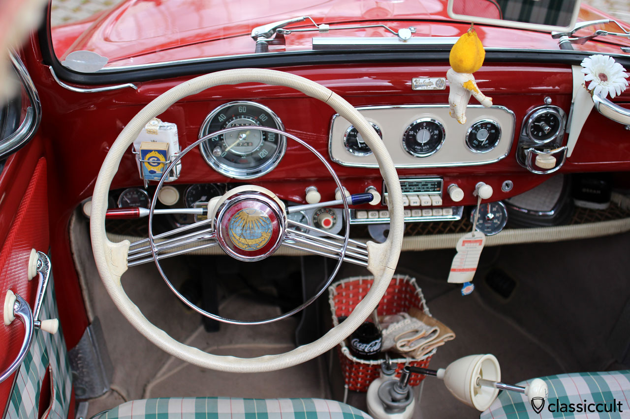 VW Ovali mit Kienzle Aschenbecher Uhr
