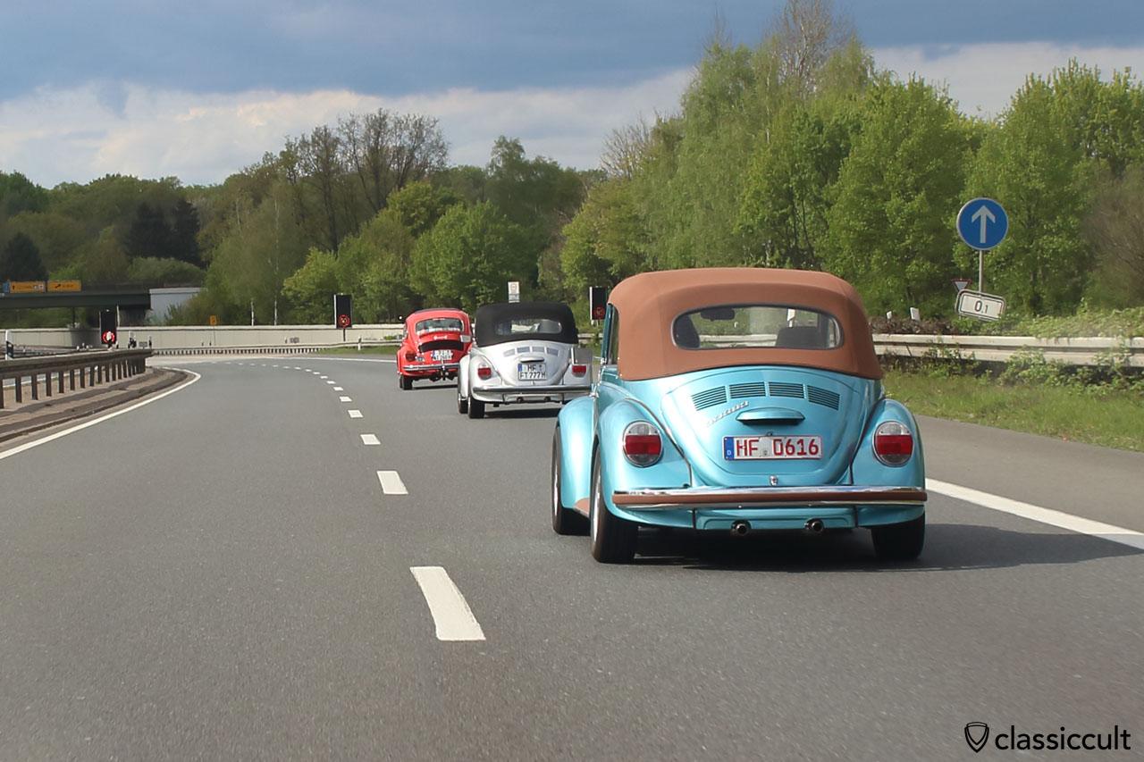 16:09 Heimfahrt, 1303 Cabrio auf dem Autobahnzubringer